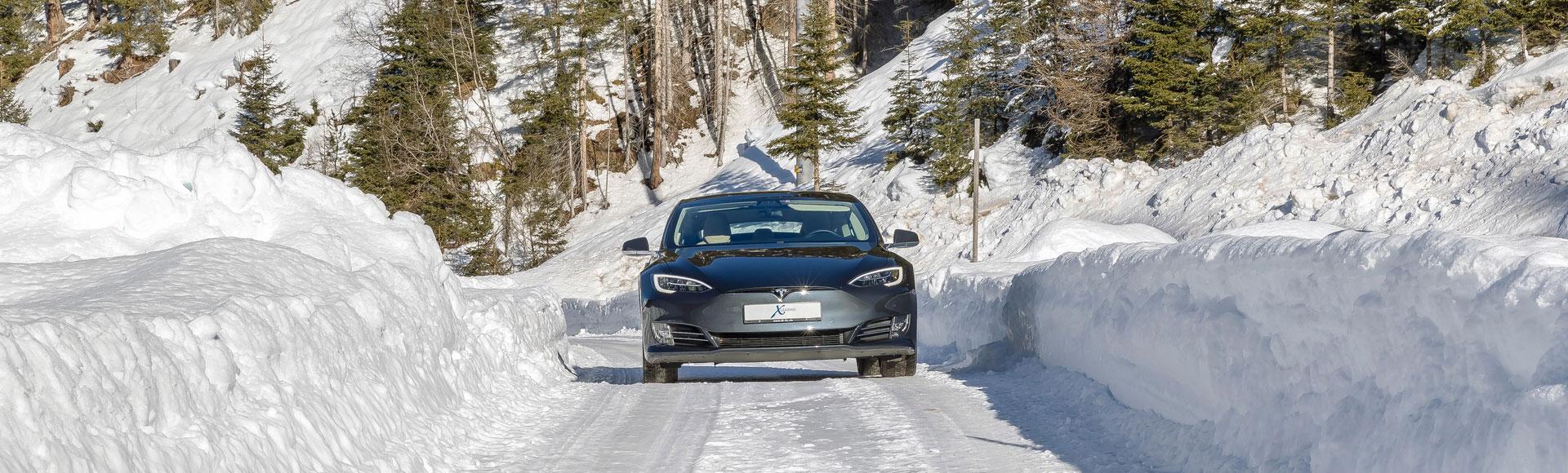 Tesla Model S Winter 3752