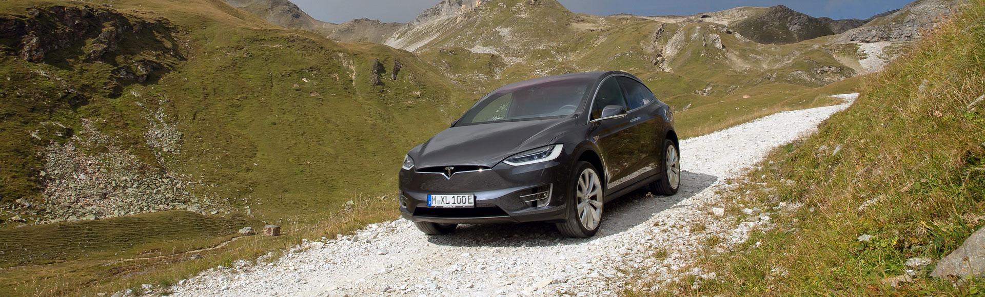 Tesla Model X 2016 288 Sommer Herbst