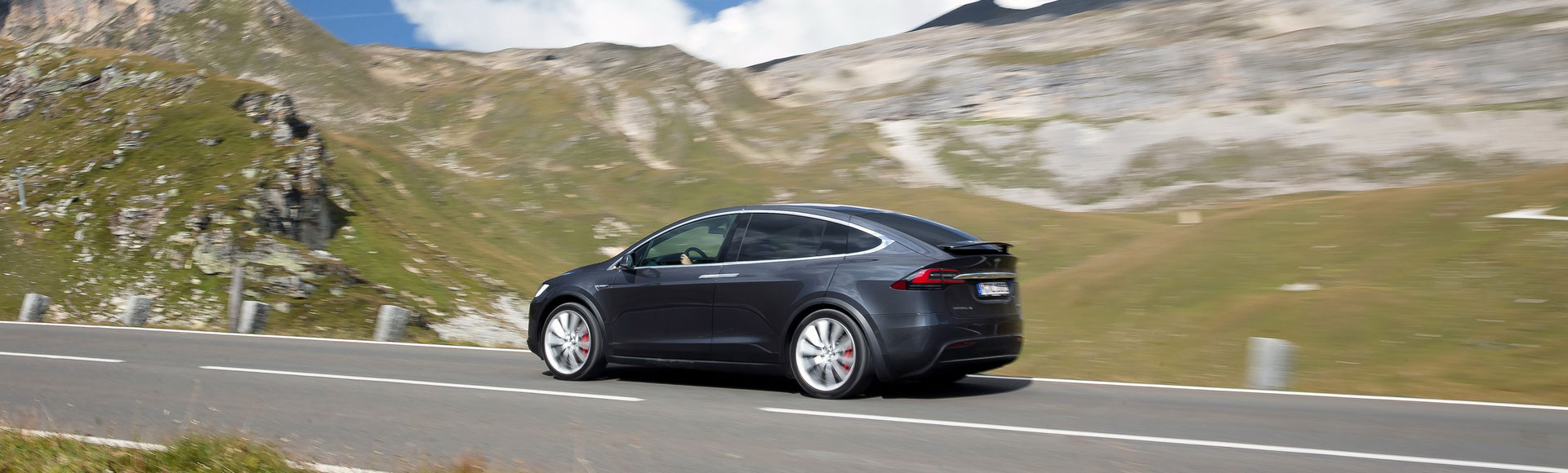 Tesla Model X 2016 305 Sommer Herbst