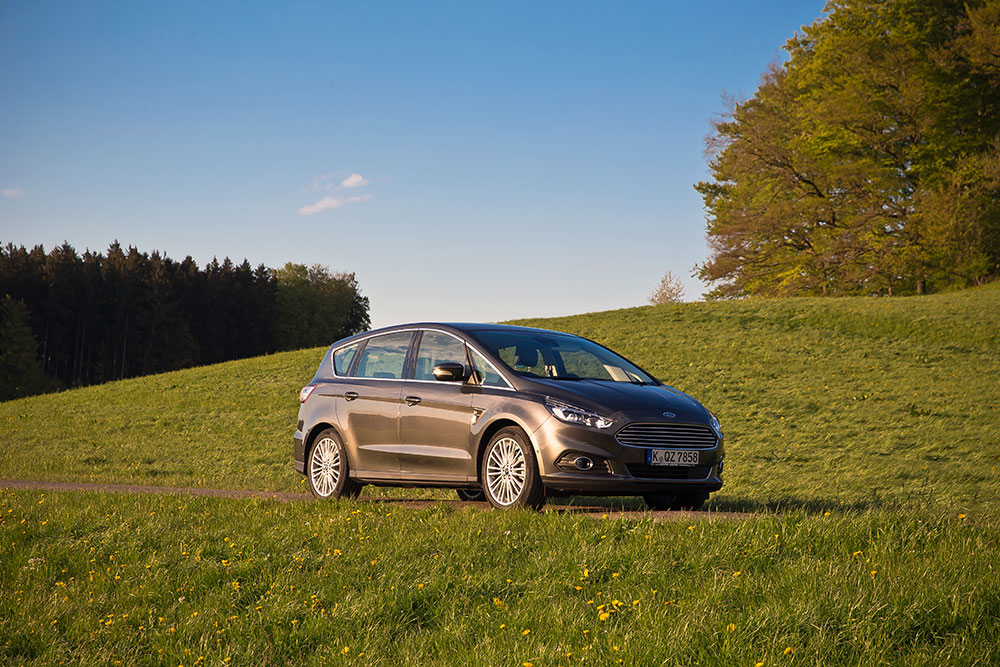 2016 ford s max